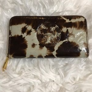 Tory Burch Brown/Cream Patent Leather Wallet